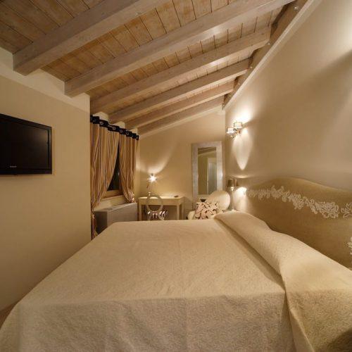 Hotel Fabriano Camere Standard Albergo matrimoniale singola dormire centro soggiorno