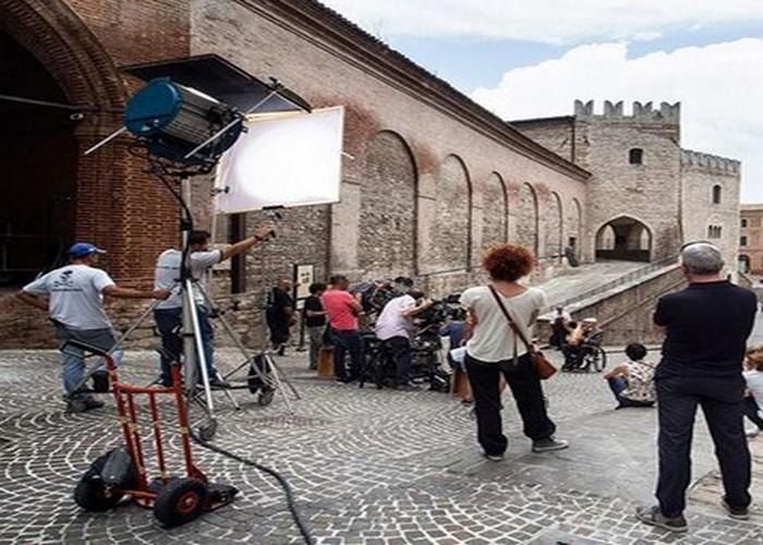 Fabriano e dintorni citta regione marche vacanza relax week end fiction film cultura
